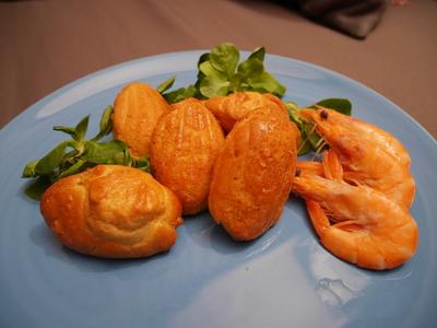 Madeleines aux crevettes et au paprika