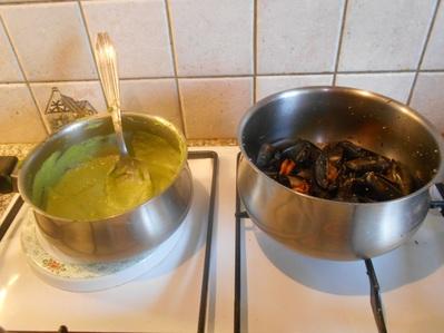Préparation filets de julienne et espuma de petits pois
