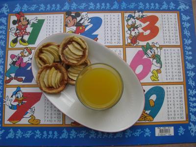 Mini tartelettes aux pommes et caramel au beurre salé